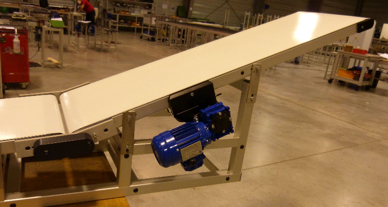 flat-belt-conveyor_elcom-3