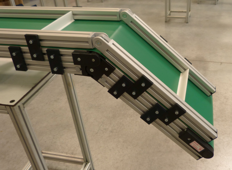 z-conveyors-based-on-flat-belt-conveyor-40_elcom-2