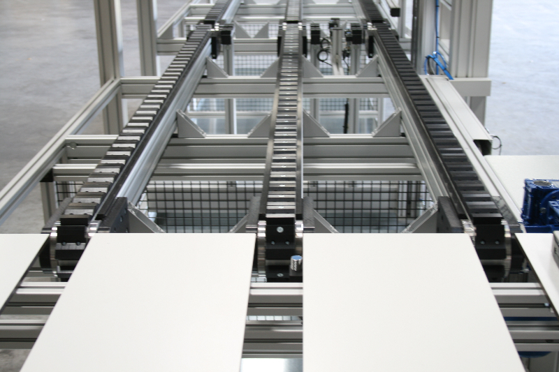 timing-belt-conveyor-specific-solution-4_elcom